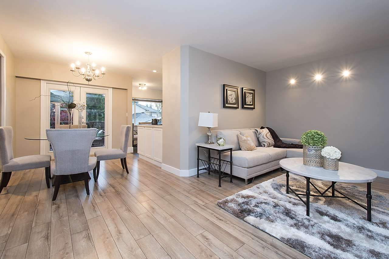 Detached at 1036 KINGS AVENUE, West Vancouver, British Columbia. Image 4
