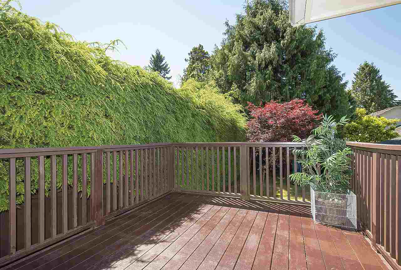 Detached at 1036 KINGS AVENUE, West Vancouver, British Columbia. Image 10