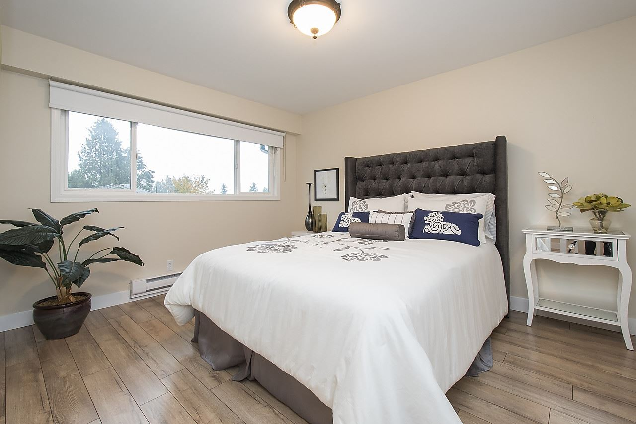 Detached at 1036 KINGS AVENUE, West Vancouver, British Columbia. Image 13