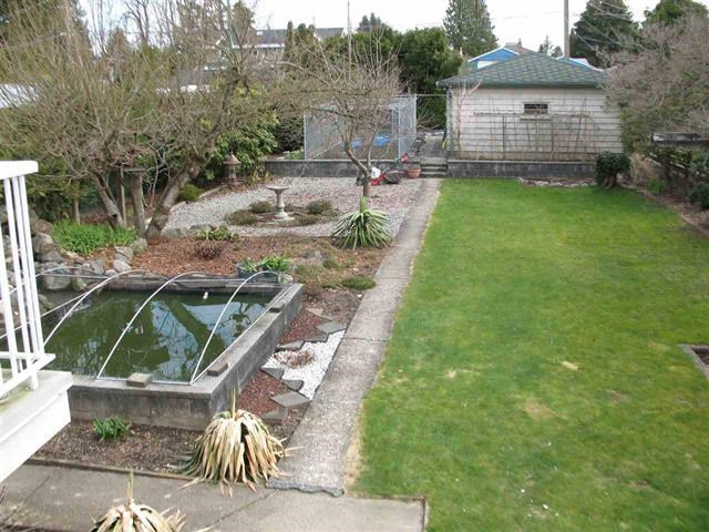 Detached at 6818 HUMPHRIES AVENUE, Burnaby South, British Columbia. Image 13