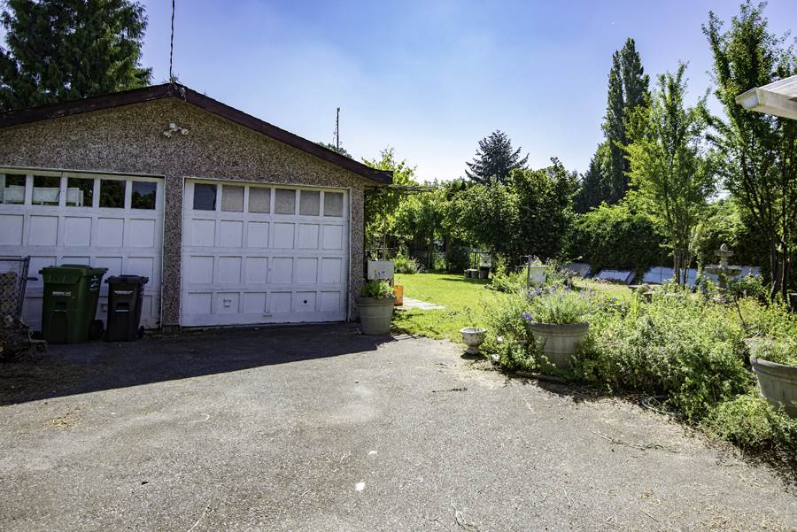 Detached at 4460 THOMPSON ROAD, Richmond, British Columbia. Image 8