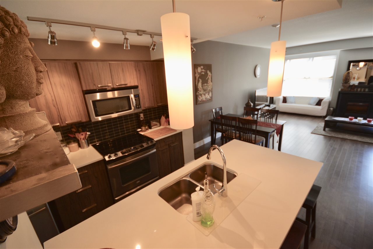 Townhouse at 219 2110 ROWLAND STREET, Unit 219, Port Coquitlam, British Columbia. Image 2