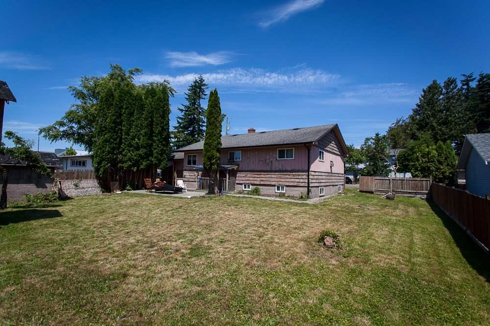 Detached at 32030 FIR AVENUE, Abbotsford, British Columbia. Image 6