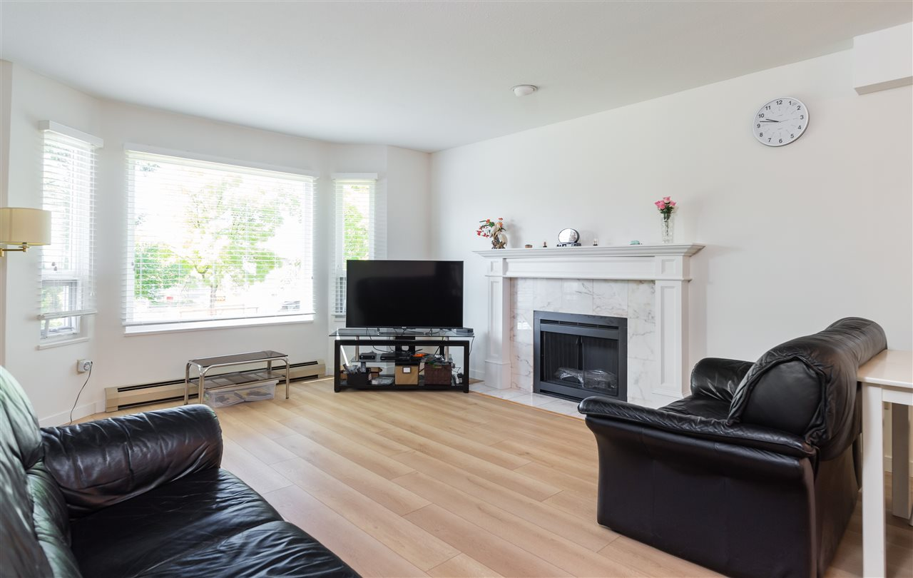 Detached at 3493 NAPIER STREET, Vancouver East, British Columbia. Image 3