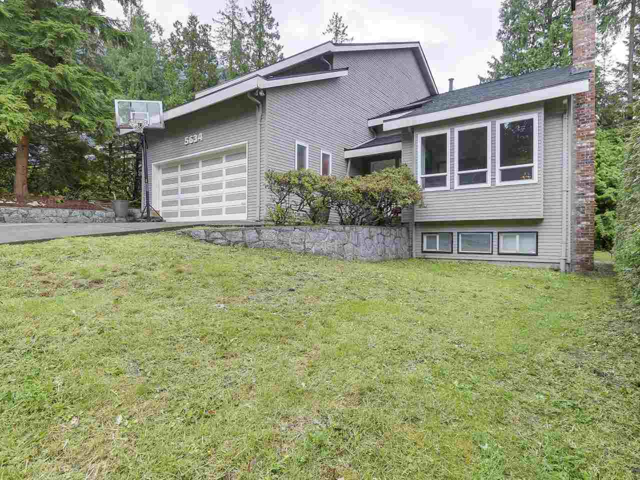 Detached at 5634 HONEYSUCKLE PLACE, North Vancouver, British Columbia. Image 1