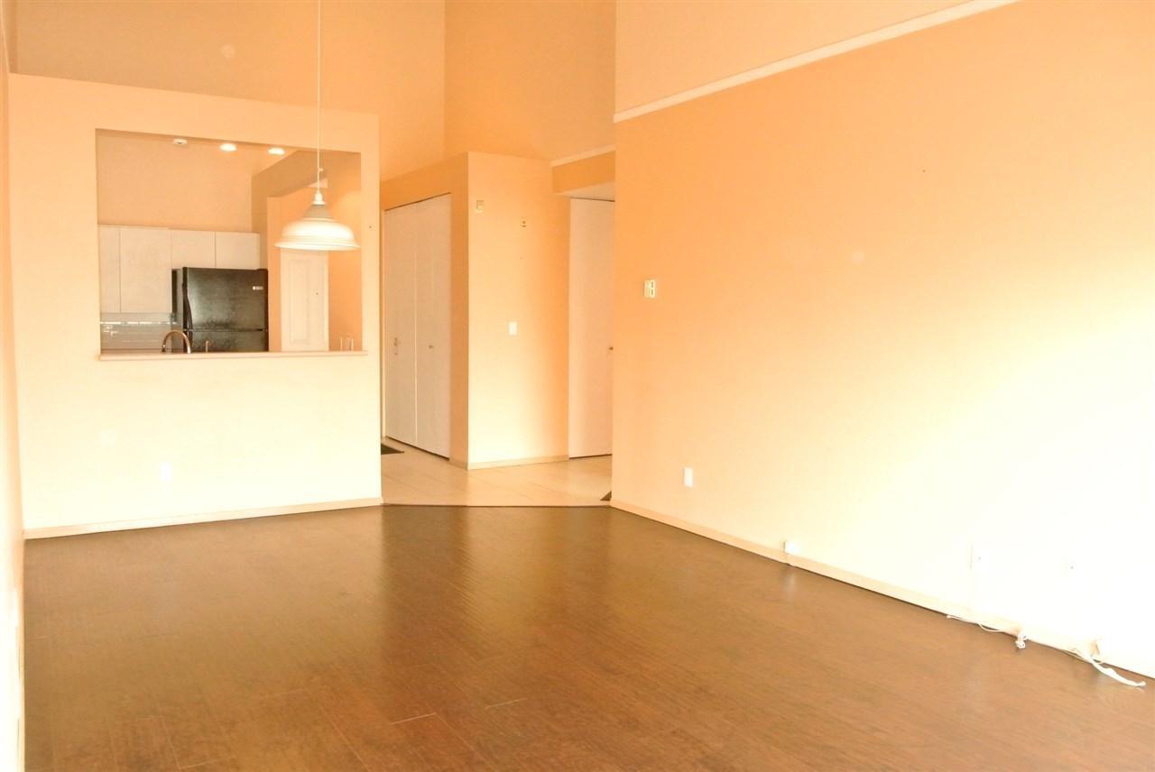 Condo Apartment at 315 7800 ST. ALBANS ROAD, Unit 315, Richmond, British Columbia. Image 5