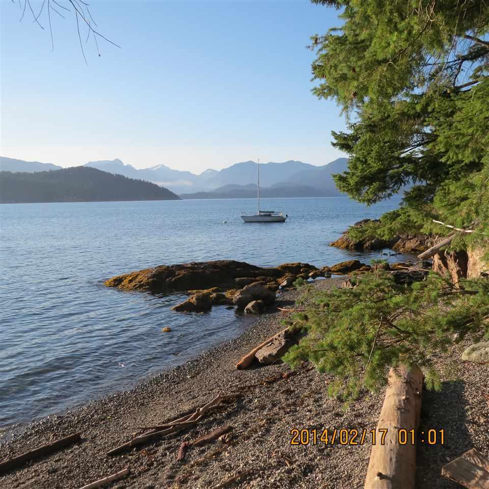Detached at 966 WINDJAMMER ROAD, Bowen Island, British Columbia. Image 19