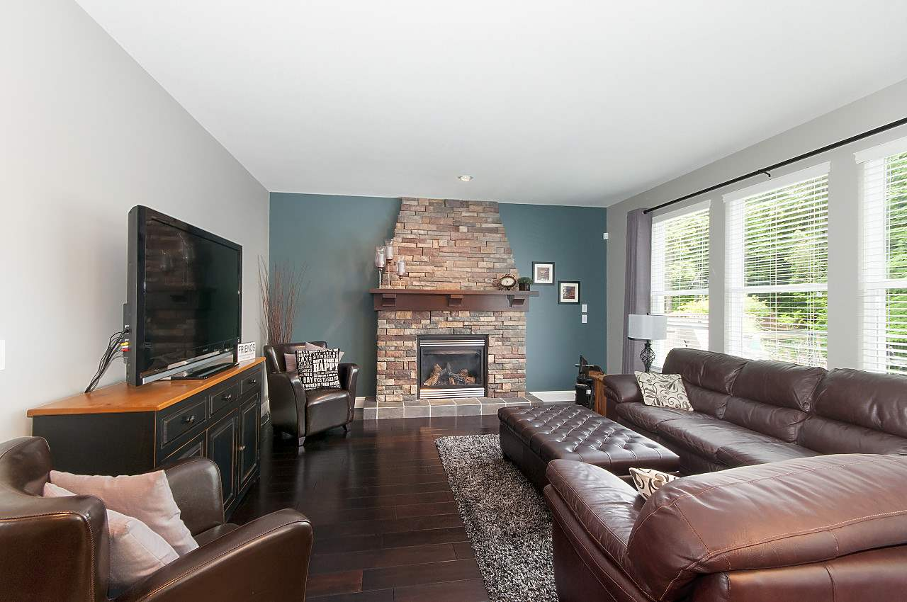 Detached at 34 SPRUCE COURT, Port Moody, British Columbia. Image 9