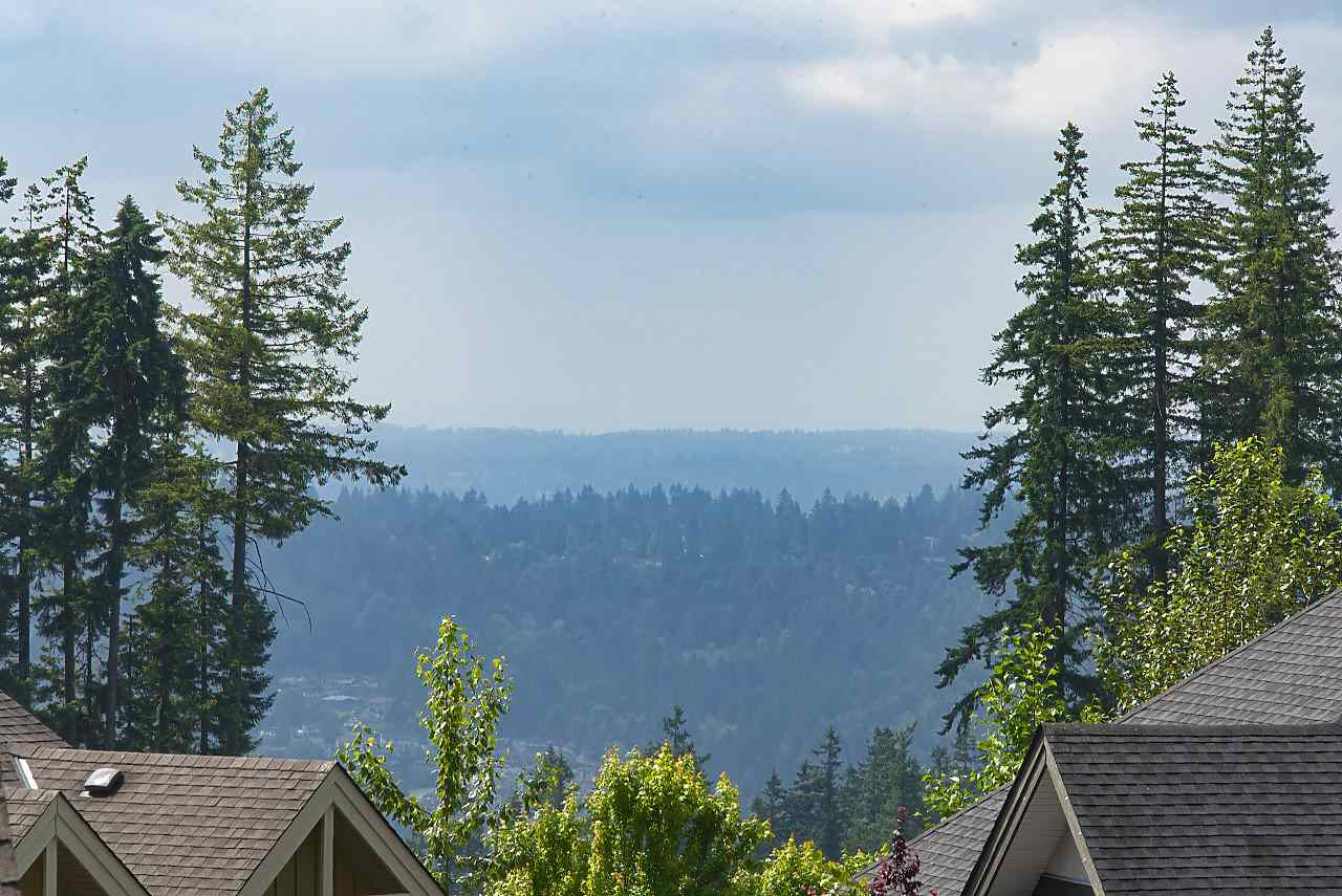 Detached at 34 SPRUCE COURT, Port Moody, British Columbia. Image 13