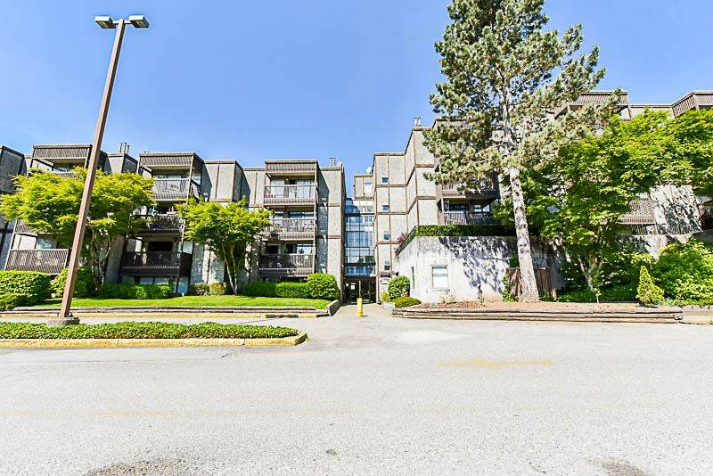 Condo Apartment at 112 13501 96 AVENUE, Unit 112, North Surrey, British Columbia. Image 2