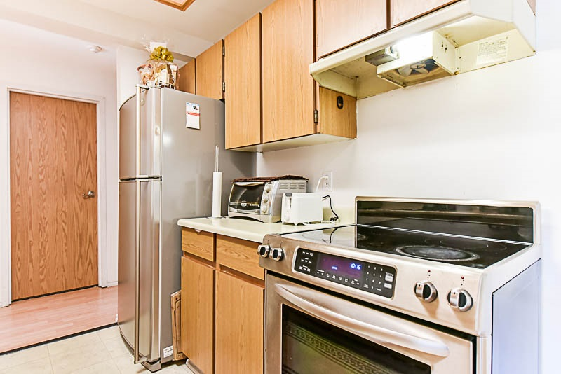 Condo Apartment at 112 13501 96 AVENUE, Unit 112, North Surrey, British Columbia. Image 8