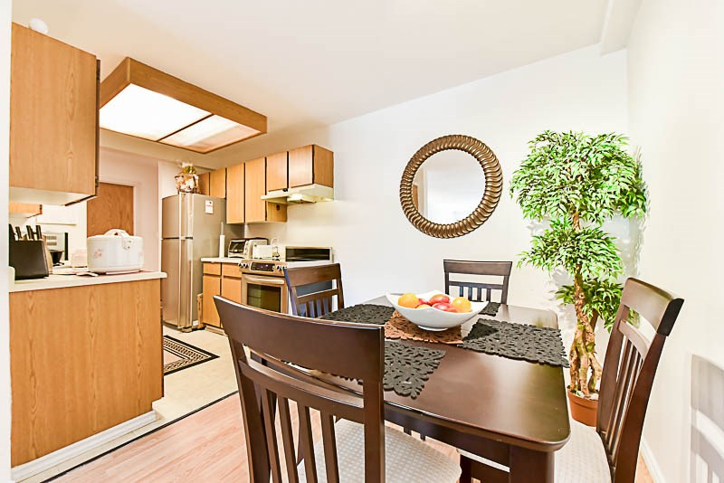 Condo Apartment at 112 13501 96 AVENUE, Unit 112, North Surrey, British Columbia. Image 11