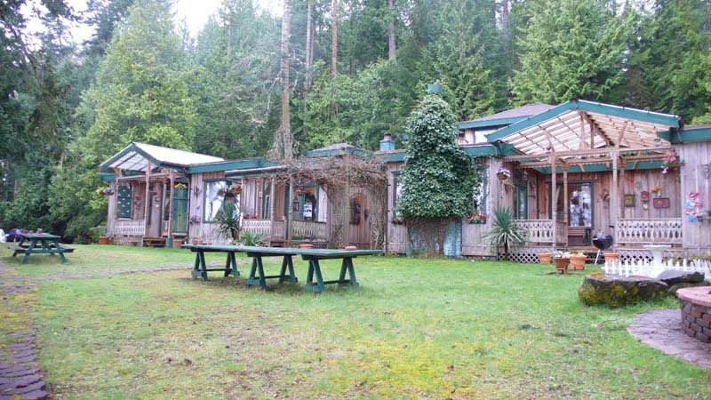 Detached at 2471 NORTH END ROAD, Islands-Van. & Gulf, British Columbia. Image 5