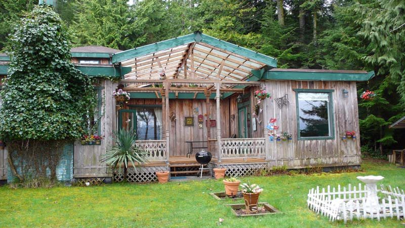 Detached at 2471 NORTH END ROAD, Islands-Van. & Gulf, British Columbia. Image 7