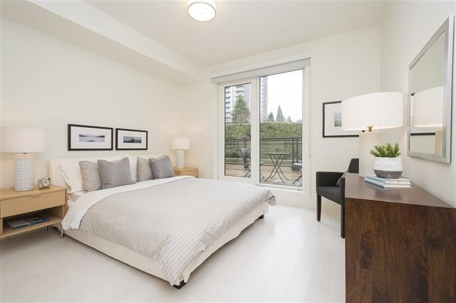 Condo Apartment at 301 522 15TH STREET, Unit 301, West Vancouver, British Columbia. Image 4