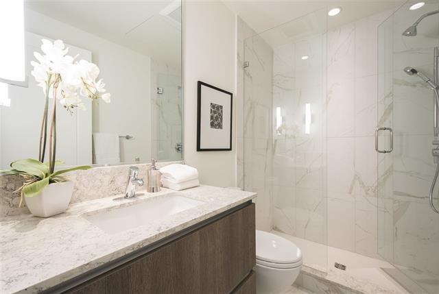 Condo Apartment at 301 522 15TH STREET, Unit 301, West Vancouver, British Columbia. Image 7