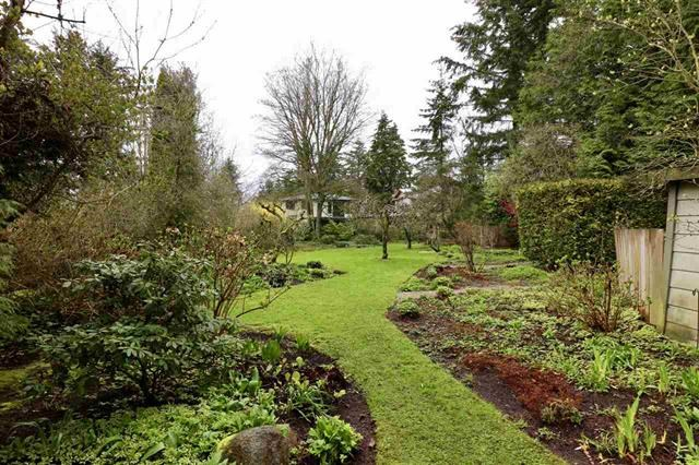Detached at 12655 26A AVENUE, South Surrey White Rock, British Columbia. Image 1