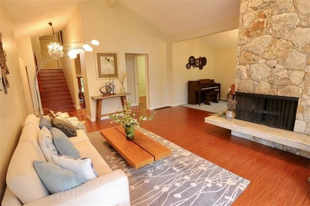 Detached at 12655 26A AVENUE, South Surrey White Rock, British Columbia. Image 3