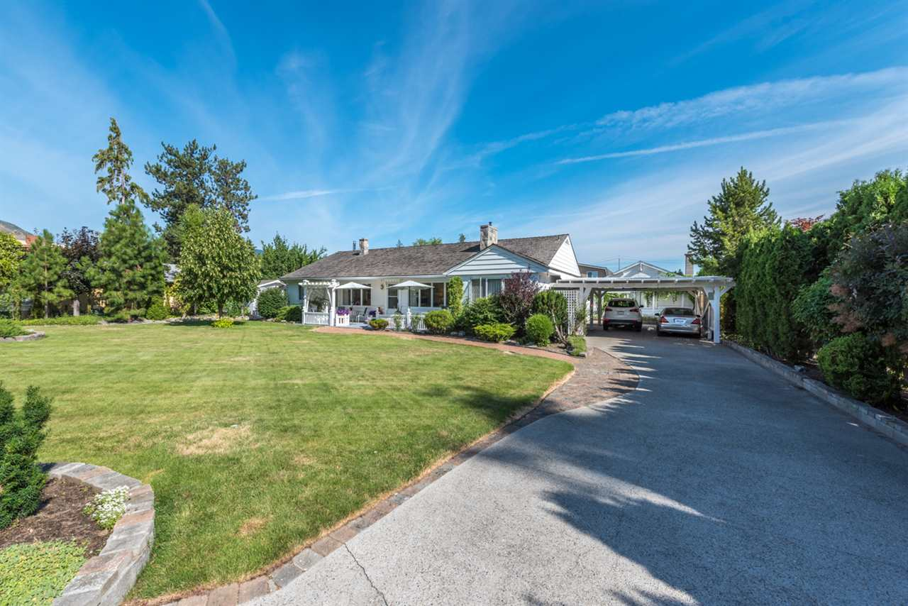 Detached at 167 ELM AVENUE, Out of Town, British Columbia. Image 2