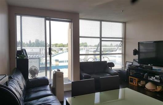 Condo Apartment at PH1 4113 FRASER STREET, Unit PH1, Vancouver East, British Columbia. Image 2