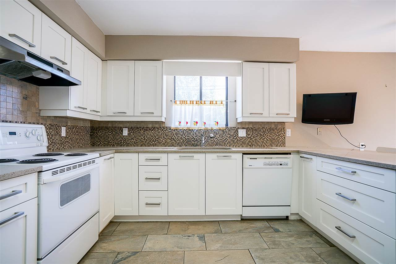 Detached at 2896 E 14TH AVENUE, Vancouver East, British Columbia. Image 3