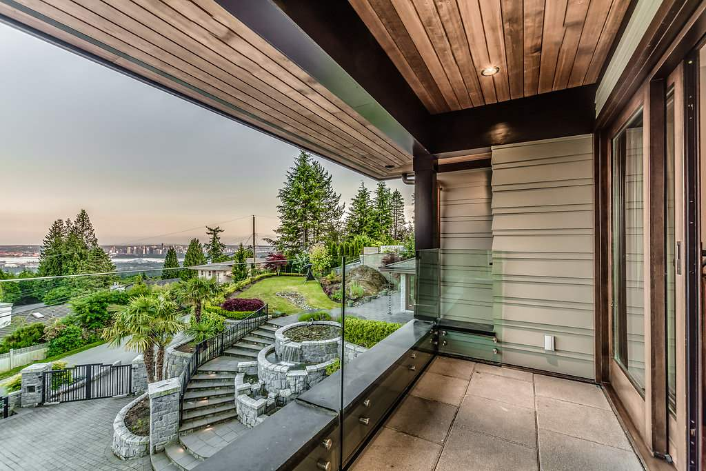 Detached at 915 GROVELAND ROAD, West Vancouver, British Columbia. Image 15