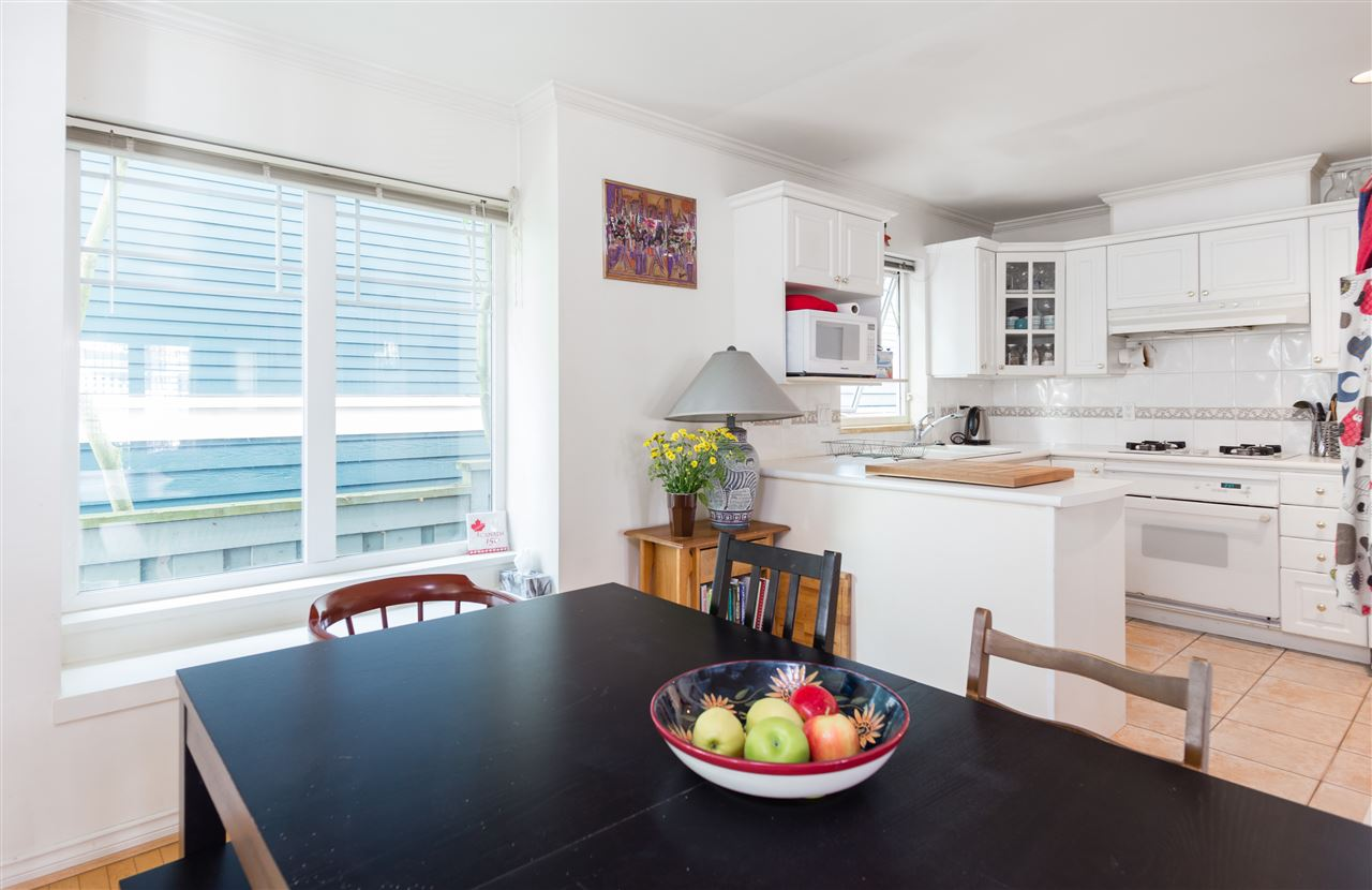 Townhouse at 2118 CYPRESS STREET, Vancouver West, British Columbia. Image 2