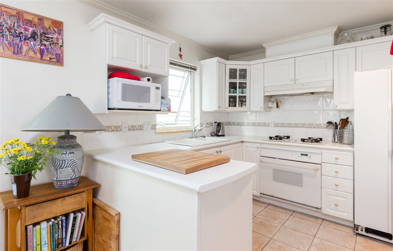 Townhouse at 2118 CYPRESS STREET, Vancouver West, British Columbia. Image 3