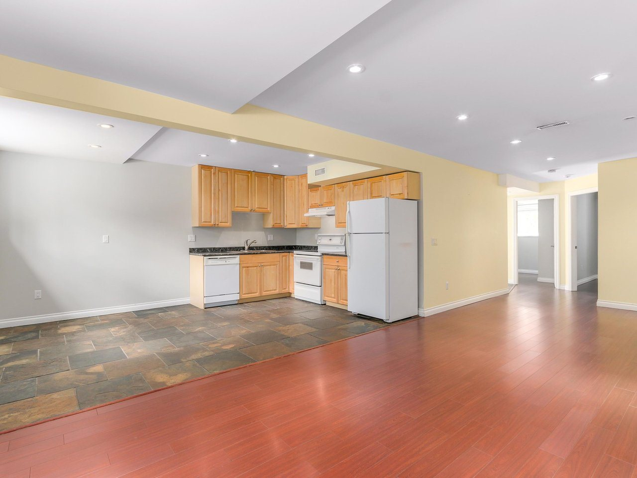 Detached at 782 ROCHESTER AVENUE, Coquitlam, British Columbia. Image 12