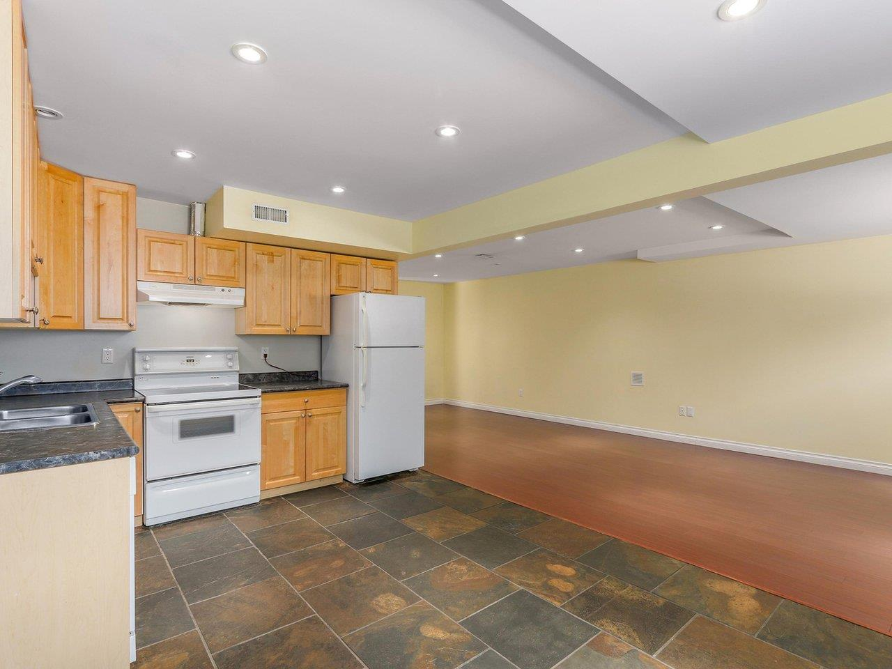 Detached at 782 ROCHESTER AVENUE, Coquitlam, British Columbia. Image 13