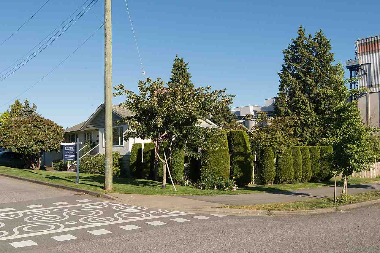 Detached at 507 E 1ST STREET, North Vancouver, British Columbia. Image 5
