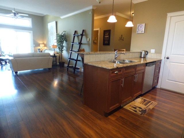 Condo Apartment at 401 9270 EDWARD STREET, Unit 401, Chilliwack, British Columbia. Image 3