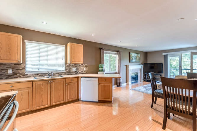 Detached at 2161 MARY HILL ROAD, Port Coquitlam, British Columbia. Image 7