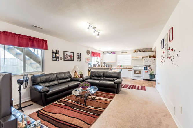 Detached at 2161 MARY HILL ROAD, Port Coquitlam, British Columbia. Image 17