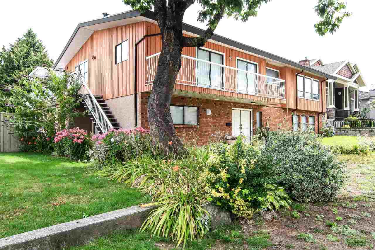 Detached at 7658 CUMBERLAND STREET, Burnaby East, British Columbia. Image 2