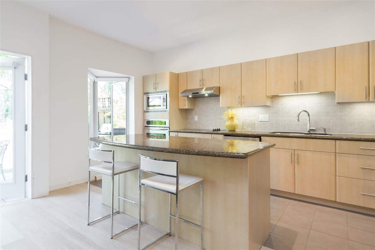 Townhouse at 22 3750 EDGEMONT BOULEVARD, Unit 22, North Vancouver, British Columbia. Image 4