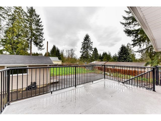 Detached at 17079 80 AVENUE, Surrey, British Columbia. Image 16