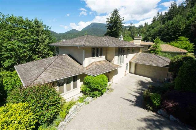 Detached at 5479 KEITH ROAD, West Vancouver, British Columbia. Image 1