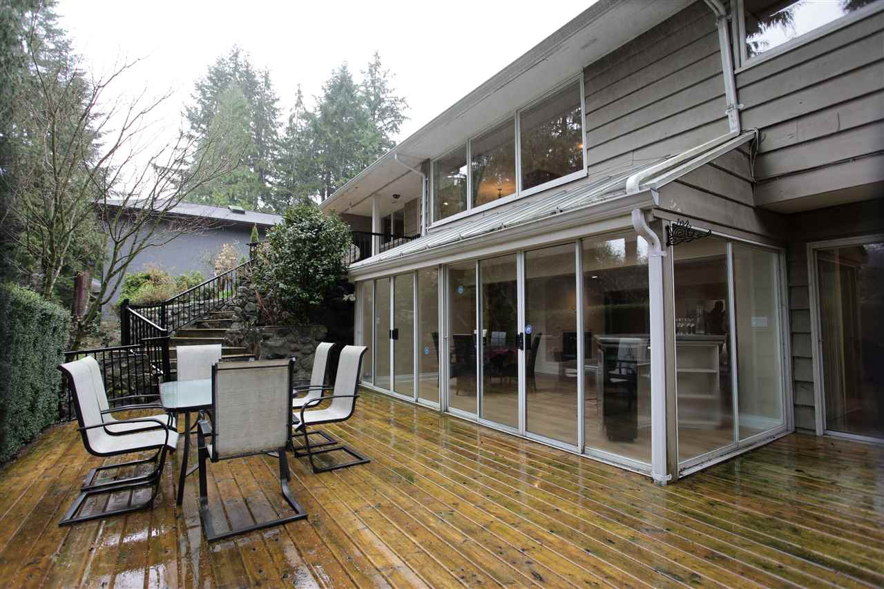 Detached at 368 ST. JAMES CRESCENT, West Vancouver, British Columbia. Image 20