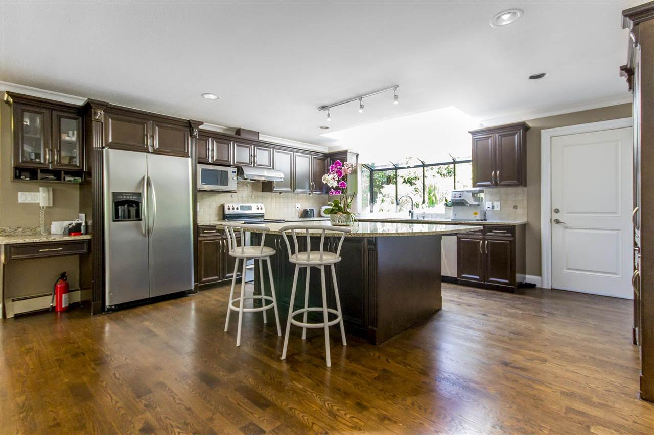 Detached at 2425 SW MARINE DRIVE, Vancouver West, British Columbia. Image 8