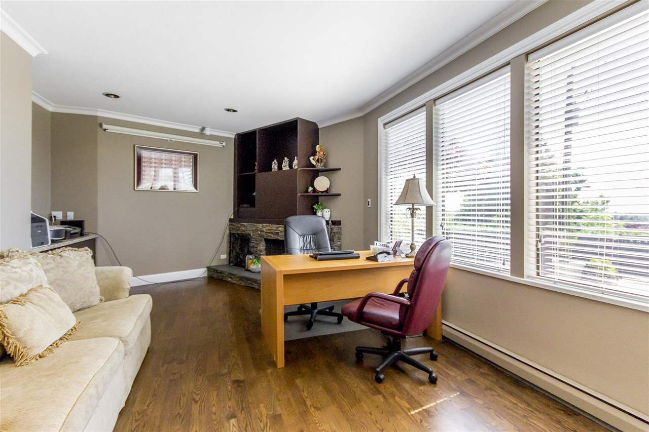 Detached at 2425 SW MARINE DRIVE, Vancouver West, British Columbia. Image 11