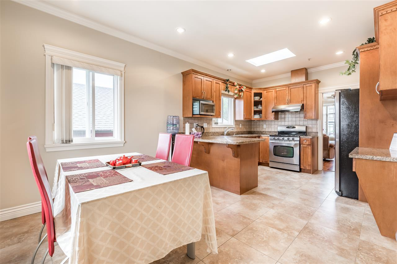 Detached at 830 W 68TH AVENUE, Vancouver West, British Columbia. Image 9
