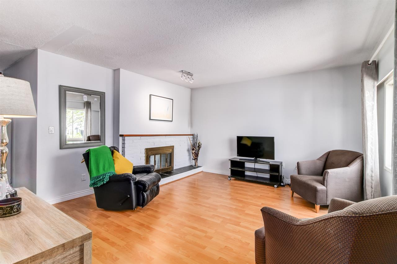 Detached at 2520 E 28TH AVENUE, Vancouver East, British Columbia. Image 2