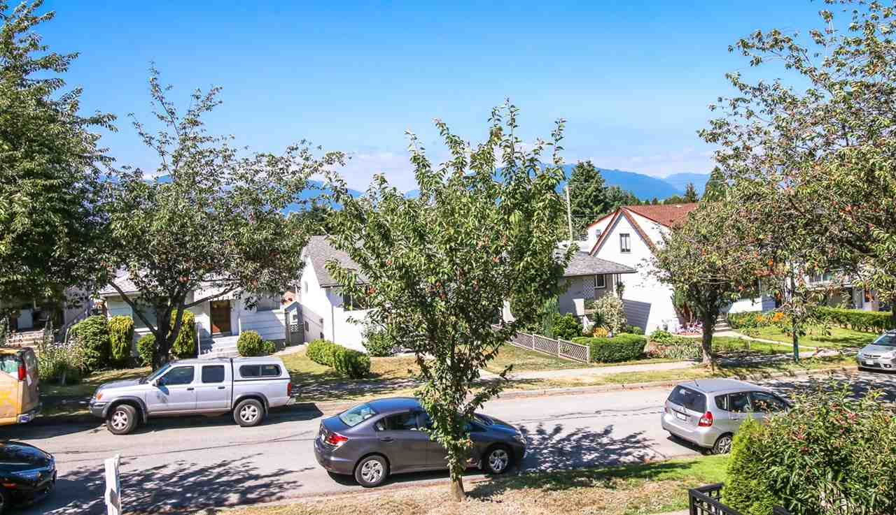 Detached at 2520 E 28TH AVENUE, Vancouver East, British Columbia. Image 4