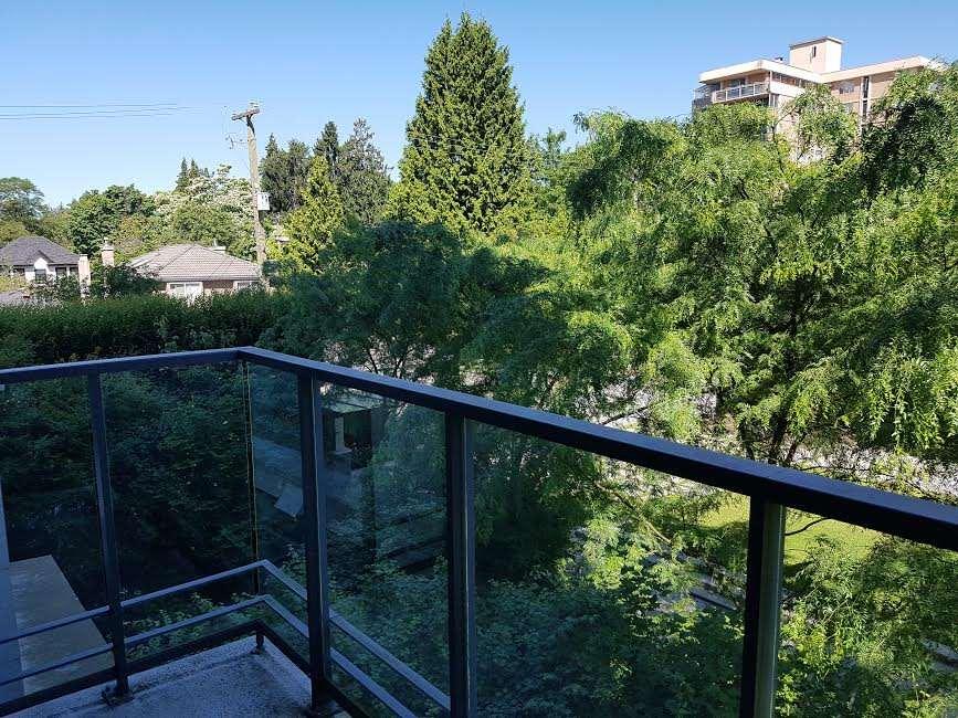 Condo Apartment at 302 5955 BALSAM STREET, Unit 302, Vancouver West, British Columbia. Image 4