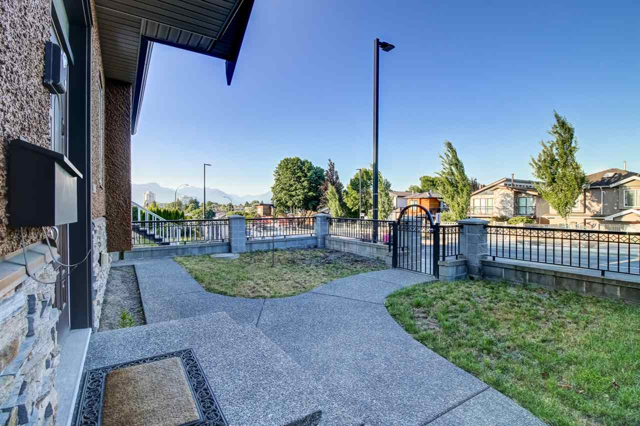 Detached at 4831 KNIGHT STREET, Vancouver East, British Columbia. Image 4