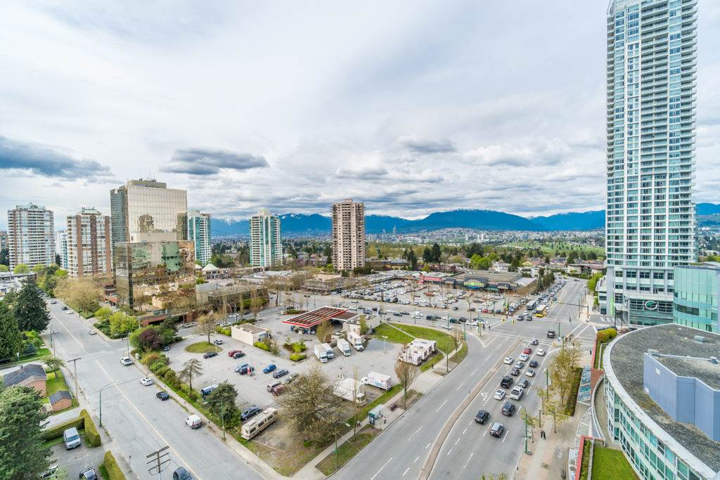 Condo Apartment at 1805 6088 WILLINGDON AVENUE, Unit 1805, Burnaby South, British Columbia. Image 2