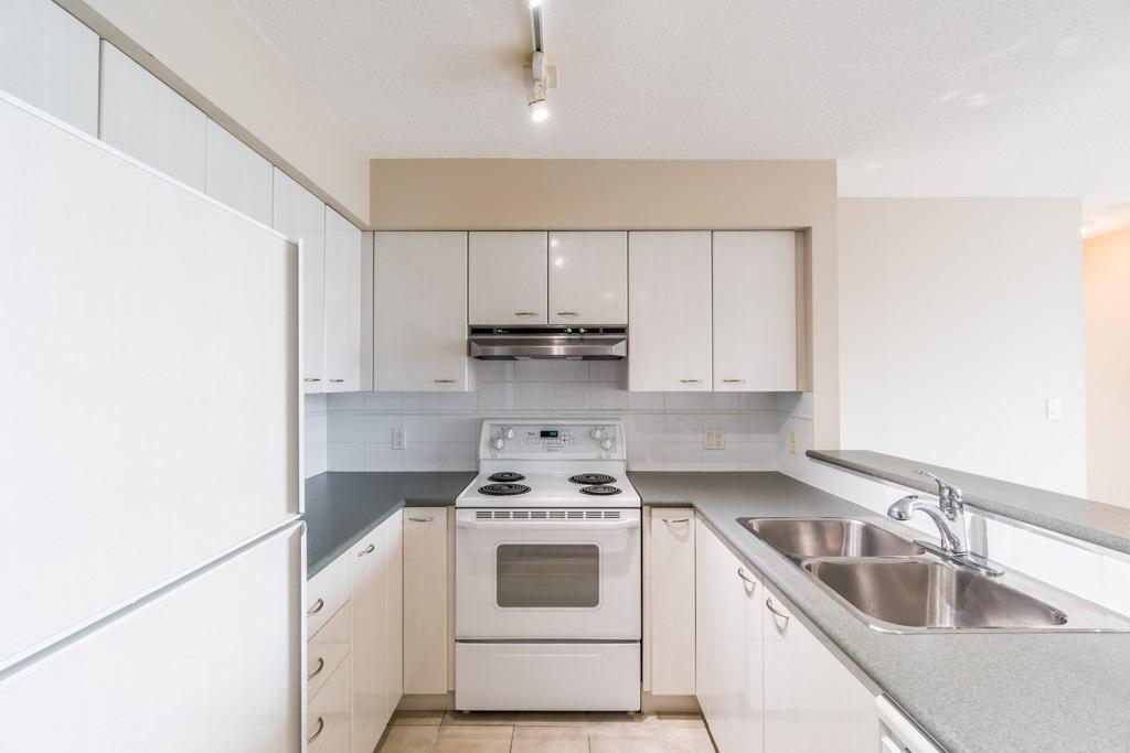Condo Apartment at 1805 6088 WILLINGDON AVENUE, Unit 1805, Burnaby South, British Columbia. Image 8