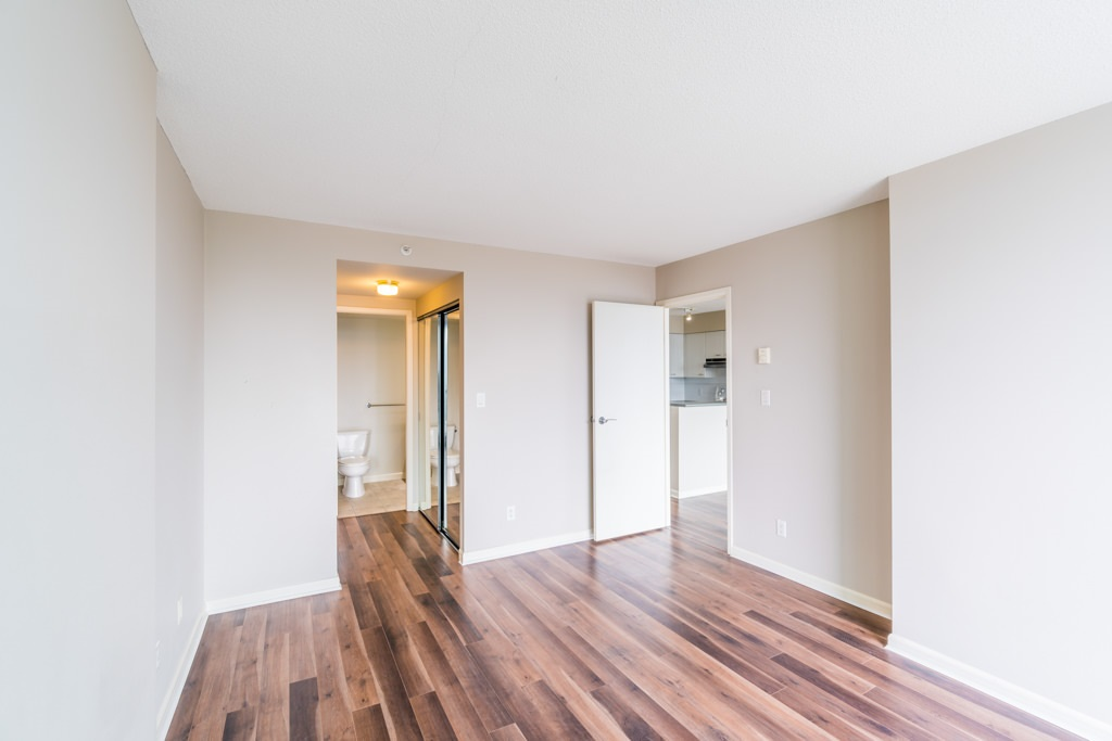 Condo Apartment at 1805 6088 WILLINGDON AVENUE, Unit 1805, Burnaby South, British Columbia. Image 11
