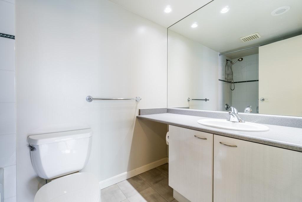 Condo Apartment at 1805 6088 WILLINGDON AVENUE, Unit 1805, Burnaby South, British Columbia. Image 14